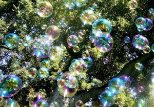 800px-Soap_bubbles-jurvetson[1]